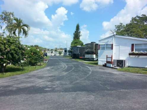 Twin Lakes Travel Park in Fort Lauderdale (Davie) Florida3