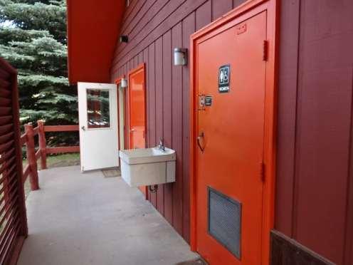 United ladies restroom outside