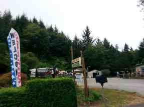 camper-cove-campground-oregon-2
