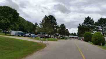 country-roads-rv-park-wisconsin-dells-2