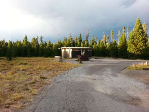 grant-village-campground-yellowstone-national-park-03