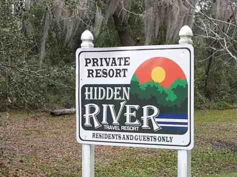 Hidden River Travel Resort in Riverview Florida Sign