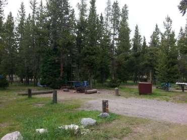 indian-creek-campground-yellowstone-national-park-backin-rv