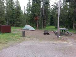 indian-creek-campground-yellowstone-national-park-backin-tent