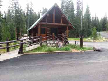 lewis-lake-campground-yellowstone-national-park-03