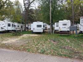 Lowry Grove RV Park in Minneapolis (St Anthony Village) Minnesota Backins