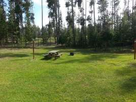madison-arm-resortcampground-west-yellowstone-tent-grass