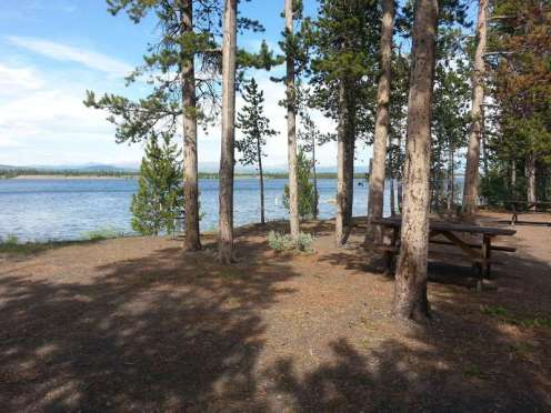 madison-arm-resortcampground-west-yellowstone-waterfront2
