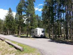 madison-campground-yellowstone-national-park-pull-thru-rv