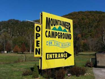 Mountaineer Campground in Townsend Tennessee Sign