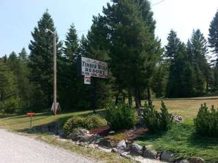 timber-wolf-resort-hungry-horse-montana-sign