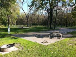 Walnut Woods State Park in West Des Moines Iowa backin site