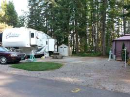 whitefish-rv-park-whitefish-montana-backin4