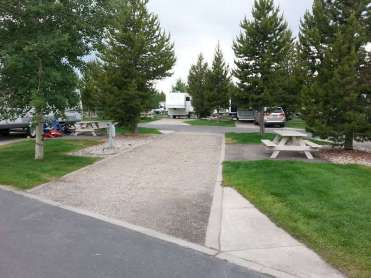 yellowstone-grizzly-rv-park-west-yellowstone-pull-thru