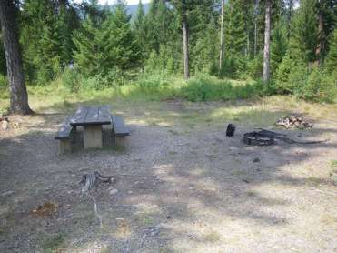 spotted-bear-campground-hungry-horse-montana-site