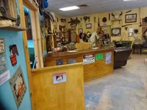 Kiva RV Park & Horse Motel