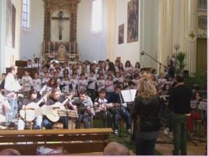 Coro scuola in chiesa