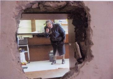 Quarto, banda del buco tenta rapina all'ufficio postale