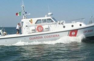 Tre moto d'acqua scorazzavano a ridosso del litorale: sanzionate dalla capitaneria