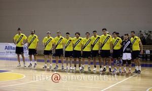 La compagine del Pozzuoli Volley al completo