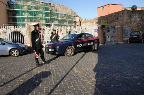 Task force dei Carabinieri di Pozzuoli nell'area flegrea: una denuncia per detenzione di hashish e sei per guida senza patente