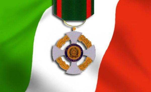 Quattro cittadini flegrei domani verranno insigniti dal Prefetto dell'onorificenza di Cavaliere della Repubblica