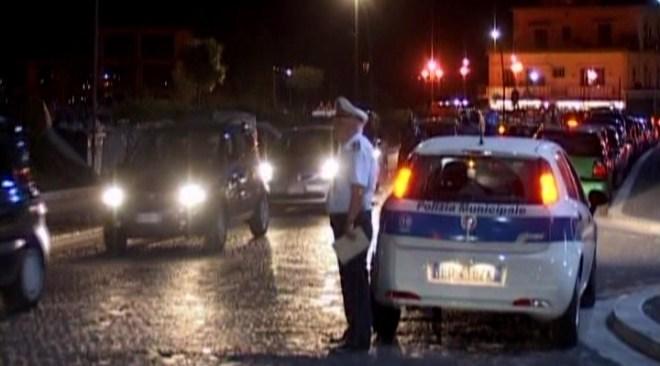 POZZUOLI/ Denunciati 3 minori per guida senza patente, verbali a 2 locali per musica alta dopo mezzanotte