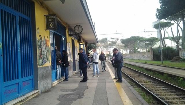 Sciopero dalle 9 alle 13 l'8 marzo: disagi per Cumana, Circumflegrea e Metro
