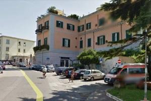 La palazzina ex albergo ed ex Caserma dei Carabinieri di Pozzuoli