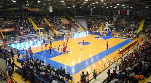PalaBarbuto, dichiarato inagibile il palazzetto dello sport di Fuorigrotta