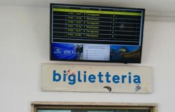 Quarto, rubato il tele indicatore di ultima generazione alla stazione della Circumflegrea