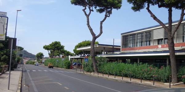 """""""Nuova regolamentazione e lotta ai parcheggiatori abusivi in via Campi Flegrei"""", l'annuncio del consigliere Tozzi"""