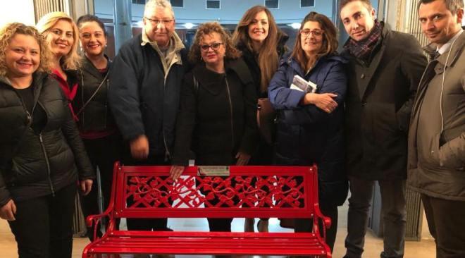 Quarto, panchina rossa intitolata a Stefania Formicola vittima di violenza