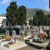 Abuso edilizio al cimitero di Pozzuoli, trasforma tomba in cappella: il comune lo diffida ad abbattere