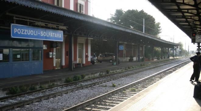 POZZUOLI/ Guasto ad un treno, disagi per i pendolari: 10 convogli con ben 40 minuti di ritardo