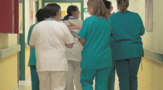 Schiaffi e pugni alla guardia medica per una risposta interpretata male