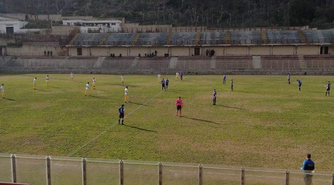 """CALCIO/ La capolista Poggiomarino ferma il Rione Terra al """"Conte"""""""