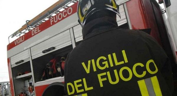 POZZUOLI/ Mansarda si abbatte su un palazzo: 3 famiglie sgomberate da sabato e ancora non rientrate