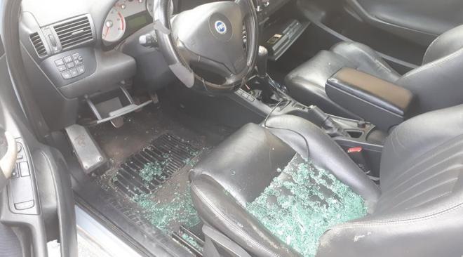 LICOLA/ Escalation di furti alle auto, in azione la banda della Fiat Stilo Verde