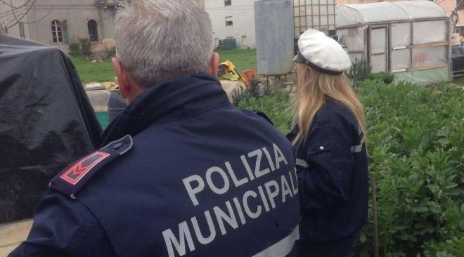 BACOLI/ Abuso edilizio in via Mozart, il comune ordina l'abbattimento dell'immobile