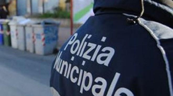 POZZUOLI/ Chiuso ristorante in via Campana, dalla municipale, senza licenza