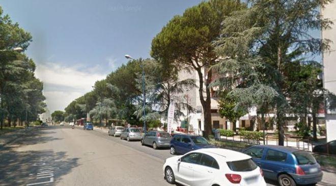 MONTERUSCIELLO/ Chiuso negozio di acconciature maschili in via Pirandello dalla Municipale