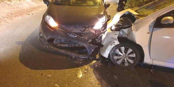 ULTIMORA/ Tragedia sfiorata in via Arco Felice Vecchio, violento impatto tra due auto: ferito trasportato in ospedale