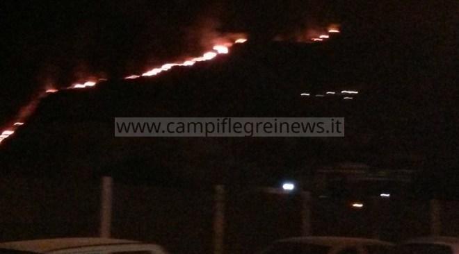 ULTIMORA/ Incendio sul Monte Barbaro, denunciata una 48enne titolare di un ristorante