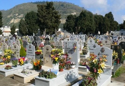 POZZUOLI/ Cimitero chiuso fino a giovedì, spostata ancora l'apertura, per metterlo in sicurezza