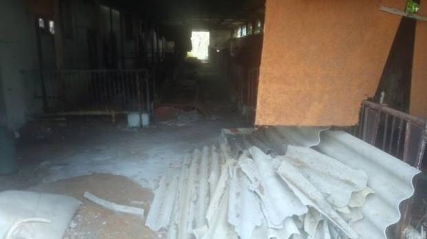ARCO FELICE/ Lastre di amianto scoperte dalla Municipale in un fabbricato abbandonato