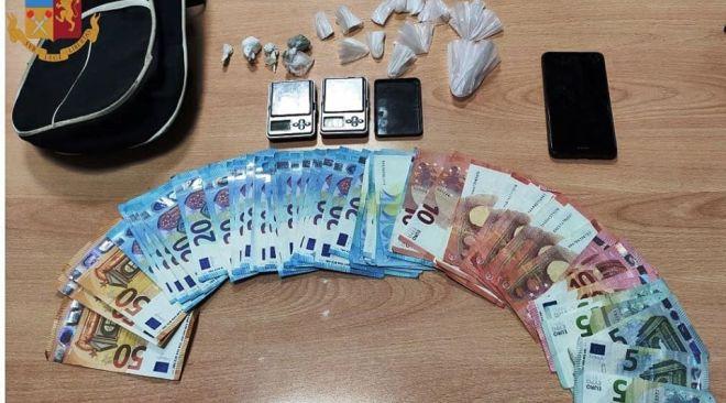 FUORIGROTTA/ Polizia arresta 21enne per detenzione di stupefacenti