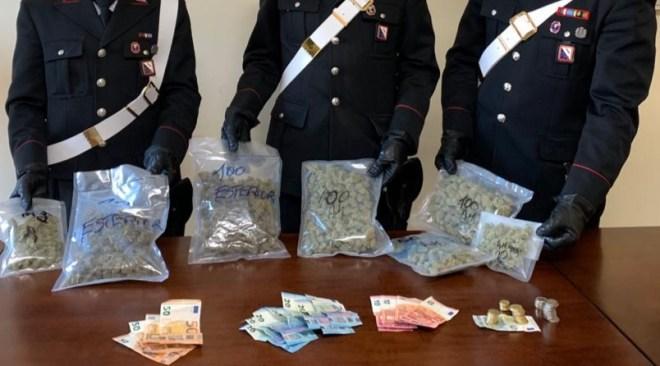 Contromano con mezzo chilo di droga, arrestati marito e moglie sessantenni