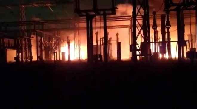 POZZUOLI/ Incendio nella centrale Enel, Figliolia: «Esigo chiarezza dal gestore»