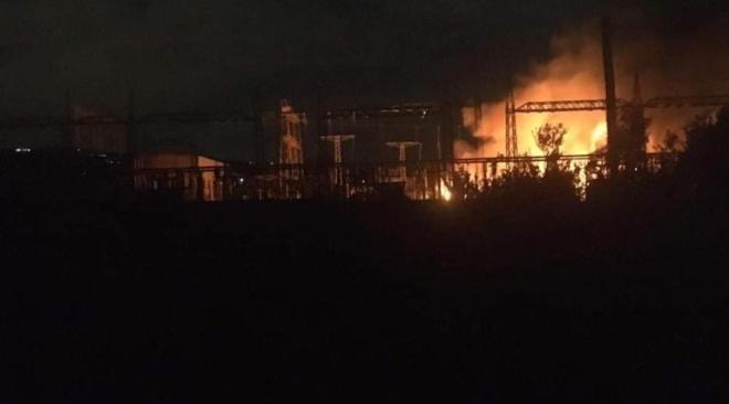 Pozzuoli, scoppio e fiamme nella centrale elettrica: black out per oltre mezz'ora - LE FOTO